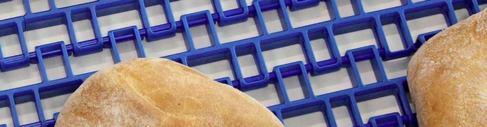 Ứng dụng của băng tải xích nhựa và băng tải modular trong ngành bánh kẹo