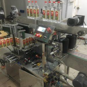 Máy dán nhãn chai nước mắm - Huynh phuong Automation
